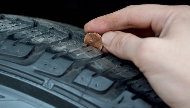 How to check tire tread with penny